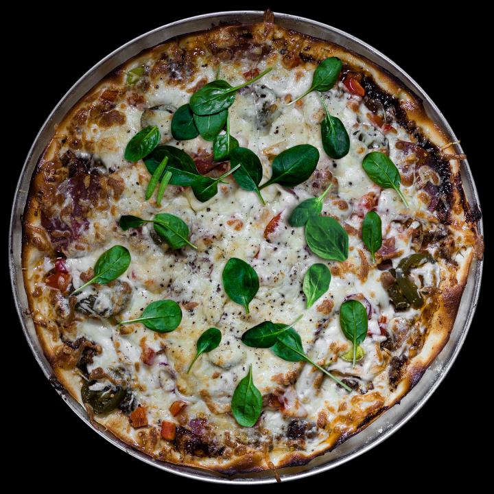 Острая пицца с мясным ассорти